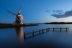 One more classic traditional image.... (powerfocusfotografie) Tags: windmill groningen le longexposure lake water outdoors evening henk nikond90 powerfocusfotografie