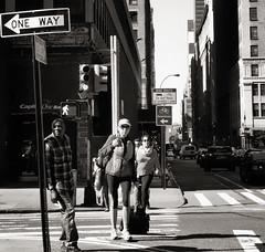 corner (Le Xuan-Cung) Tags: corner nyc newyorkcity usa streetphotography streetshots streetscene bigctity citylife atmosphere urban urbannyc urbanshots people crossing sw bw nb blackandwhite noiretblanc livinginnyc livinginnewyork livinginusa
