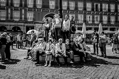 _DSF2101 (Antonio Balsera) Tags: bw bn plazamayor semanasanta gente madrid comunidaddemadrid españa es