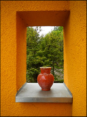 20130510-21 (sulamith.sallmann) Tags: orange window stone germany square deutschland europa geometry stones fenster saxony shapes vessel leipzig container steine sachsen vase forms form shape angular stein rectangle deu cornered eckig geometrie durchblick viereck formen geometrisch behlter grimma behltnis rechteck viereckig ffnung schaddel gefse gefs schaddelmhle quotsulamith sallmannquot