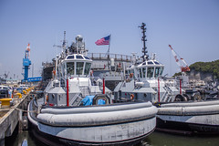 Tug Boats (rokclmb) Tags: blue japan boat ship flag navy ridge tugboat tug seventh fleet 7th usnavy base blueridge yokosuka usflag 7thfleet yokosukajapan seventhfleet cfay yokosukanavybase cnfj rokclmb jessederiksen