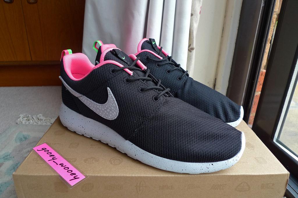 400e88467333 Nike Roshe Run x Size  Urban Safari Pack  Black   Stadium Grey - Digital