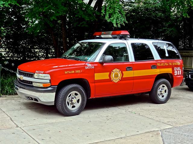 philadelphia fire airport suburban firetruck philly phl firedept firedepartment gmc pfd engine78 fireapparatus chevytahoe phillyfire philadelphiafire phiadelphiafire firetruckpfd