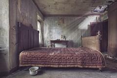 schlafzimmer rotten
