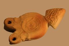llampe (gripspix (OFF)) Tags: test ceramic northafrica keramik oillamp nordafrika llampe doublelight zweiflammig 20131009