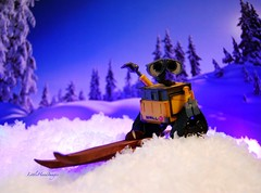 Downhill Pro.... (Little Hand Images) Tags: winter snow toys actionfigure skiing walle