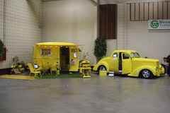 Lots of Yellow - Hot Rod with trailer - 1935 Dodge