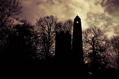 Dark St. Columba (Dr.Frobenius) Tags: ireland nikon swords d90 inevavae