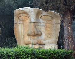 """Il """"faccione"""" (giorgiorodano46) Tags: marzo2017 march 2017 giorgiorodano nikon roma fontana fontanadelladearoma piazzamontegrappa scultura italy"""