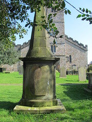 Kirkby Lonsdale - St Mary's Church (pefkosmad) Tags: kirkbylonsdale cumbria stmaryschurch englandsthousandbestchurches england uk church parishchurch placeofworship hallowedground holy worship churchofengland anglican christianity religion fire maids memorial