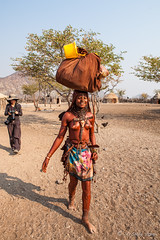 Carrying 3954 (Ursula in Aus) Tags: africa himba himbavillage namibia otjomazeva