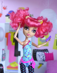 Properly Puffy Pigtails (Mus Parvulus) Tags: monsterhigh mh howleen danceclass ikeaspexa doll