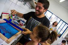Elisângela Leite_4 (REDES DA MARÉ) Tags: américa brasil complexodamaré doglaslopes favela latina maré marésemfronteiras novamaré ong redesdamaré riodejaneiro aula criança desenho serigrafia