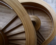 Layered Stairs (Alan Amati) Tags: amati alanamati toronto canada ontario art gallery ago artgalleryofontario spiralstaircase spiral stair stairs staircase stariway curved curves frank gehry artistic museum shape layer layered form circular topf25
