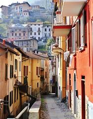 Borghi colorati! (fata_ci) Tags: borghi paesi case colori lagodicomo sentieri greenwhay