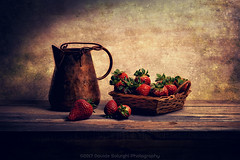 Basket of strawberries (Davide Solurghi Photography) Tags: davidesolurghiphotography davidesolurghi basket strawberries breakfast stilllife indoor inside studio naturemorte naturamorta food cibo fruit fruits frutta copper wicker