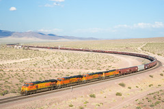 BNSF 4344 @ Ludlow, CA (Mathieu Tremblay) Tags: ludlow california unitedstates bnsf burlington northern santa fe needles subdivision railroad railway chemin fer train grain ghost town desert mojave 4344 ge general electric c449w sony a99 sal2470z