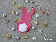 How to make a cute easter gift basket with DIY easter gifts 14 (DIY Empress) Tags: diy easter easterdiys happyeaster cute eastergifts giftbasket howto tutorial beautiful bunnies easterbunnies bunny blogger inspiration make basket bunnykeychain keychain necklace polymerclay mseal creativityfound pompom