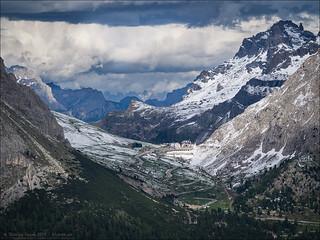 Passo Pordoi: Clouds and Snow