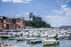 Lerici (Peter Jaspers (busy at the moment)) Tags: sea italy seascape castle history boats seaside italia ship harbour liguria olympus panasonic lr mediterraneansea lightroom rivieradilevante lerici aspherical m43 mft santerenzo 2013 golfodeipoeti golfodellaspezia epl1 20mmf17 gulfoflaspezia panasoniclumix20mmf17asph frompeterj