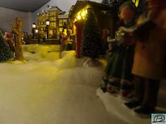 Christmas village 4 (Brian de Leeuw) Tags: christmas miniature dof decoration gimp cybershot christmasvillage putz miniaturescale hx300 vctvpr1 b4fotos