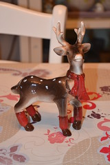 Deer (Girly Toys) Tags: décoration de noël christmas decoration suspension hanging guirlande garland boule ball personnage characters figurine figure sapin fir lumineuse tree bright light collection deer cerf père santa claus missliliedolly miss lilie dolly aurelmistinguette girly toys collectible girlytoys
