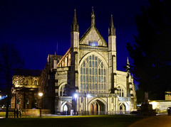 Winchester Cathedral (Beardy Vulcan) Tags: city autumn england fall church night december nocturnal cathedral hampshire clear bluehour winchester 2008 floodlit winchestercathedral itchenvalley