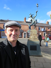 "Ryan Janek Wolowski visiting the O Noble Fool! A Worthy Fool! statue honoring William Shakespeare play ""As You Like It"" in Stratford upon Avon in Warwickshire, England, UK (RYANISLAND) Tags: uk travel england english history home book town europe european village unitedkingdom cottage shakespeare books visit william literature poet romeo historical writer juliet author avon warwickshire stratford stratforduponavon williamshakespeare playwright shakespearesbirthplace romeojuliet northerneurope northerneuropean"