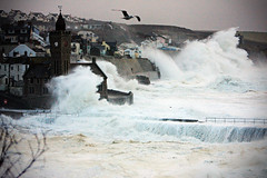 Storm 05/02/14 (Peter Sincock) Tags: sea storm canon cornwall waves porthleven