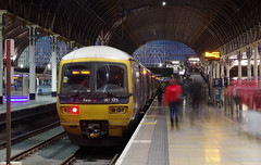 IMGP2256 (mattbuck4950) Tags: longexposure england london europe unitedkingdom trains motionblur february railways firstgreatwestern paddingtonstation 2014 cityofwestminster greatwesternmainline dieselmultipleunits 165125 britishrailclass165 mainlinerailways lenssigma18250mm camerapentaxk50