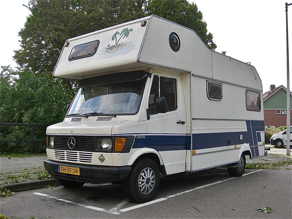 The world 39 s best photos of 307d and camper flickr hive mind for Mercedes benz rv camper