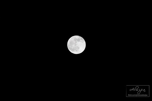 """The moon • <a style=""""font-size:0.8em;"""" href=""""http://www.flickr.com/photos/104879414@N07/13893486864/"""" target=""""_blank"""">View on Flickr</a>"""