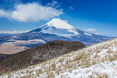 Mt. Fuji with Snow 冬の富士山 (Sharleen Chao) Tags: 箱根 日本 旅遊 富士山 mtfuji hakone 晴天 冬季 winter snow travel lifestyle tourist winterbreak 晴れ color sunny day 蘆之湖 芦ノ湖 駒ヶ岳 komagatake explored japan locallandmark hiking peak