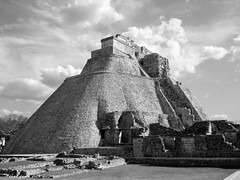 Mayan Temple In Mexico (that_damn_duck) Tags: blackandwhite mayantemple mexico vacation mayans clouds history architecture bw blackwhite