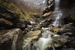 By the river (Hector Prada) Tags: cascada rio invierno hielo agua rocas álava paisvasco waterfall river winter rocks nature golden landscape