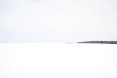 DSC_0583a (Fransois) Tags: paysagedhiver winterlandscape minimalisme lanaudière québec paysage landscape hiver winter neige snow ciel sky silence solitude horizon blanc white silent minimalism
