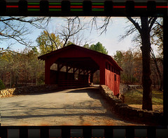 Arette 1a (robertlhinson) Tags: seasonal scenic 35mmfilm fujifilm color tank developed scanned epson v500 arette 1a covered bridge