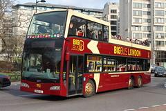 DA325 PN10 FOJ (ANDY'S UK TRANSPORT PAGE) Tags: buses london bigbustours sightseeingbuses hydeparkcorner