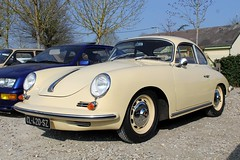 Porsche 356 BT6 1962 (seb !!!) Tags: 2017 auto automobile automovel automovil automobil berlinette coupé coach fastback canon 1100d cars anciennes ancienne old oldtimers populaire seb france voiture wagen car coffee breuilpont allemande allemand deutschland german germany deutsch photo picture foto image bild imagen imagem jaune giallo amarillo amarelo yellow gelb beige bege classique classic klassic chrome
