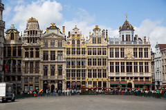 Old Square, Brussels (PJ Reading) Tags: brussels city architecture building buildings place tourist attraction history historic old square belgium europe european oldsquare town monument public
