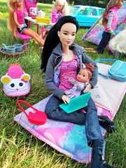 Time to sleep baby🍼 (flores272) Tags: leadoll barbiedoll madetomovebarbie asianbarbie camping babydoll doll dolls toy toys lalaloopsy accessories accessoriesplayset