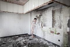 Seule (Alexis Cayot) Tags: alexis cayot canon eos 16 35 28 l ef urbex modele femme abandon ruine pantie pants tee shirt culotte