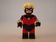 Nega-Bangles (Alien Hand) Tags: lego marvel captain marvell ug minifigures pad printed custom