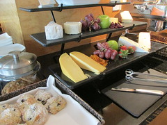 Pan Pacific Vancouver Lounge Hors d'oeuvres (Nancy D. Brown) Tags: panpacificvancouver cheeseplatter horsdoeuvres