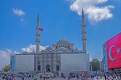 İSTANBUL YENİ CAMİİ, NEW MOSQUE, VALİDE SULTAN CAMİİ (01dgn) Tags: newmosque istanbul travel sky colors blue turkey türkei türkiye validesultancamii yenicamii