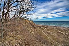 Ostseeblick (garzer06) Tags: ostsee wasser blau wolken himmel wolkenhimmel deutschland vorpommernrügen naturephotography landschaftsbild mecklenburgvorpommern landschaftsfoto inselrügen vorpommern lanscapephotography insel landschaft weis rügen landschaftsfotografie küste ufer strand