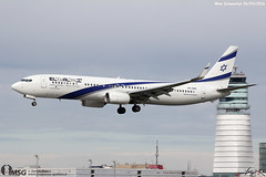 4X-EHC (dabianco87) Tags: aeroplano aircraft aerei schwechat wien plane vie boeing b737900 elal 4xehc