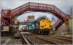 Good Friday Flasks (Blaydon52C) Tags: class37 directrailservices drs nuclear flasks fna railway rail railways railfreight trains train transport locomotive locomotives loco englishelectric diesel 37059 37069 wylam tynevalley tyne newcastleandcarlislerailway signalbox
