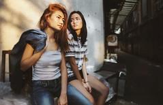 TOY_DSC_8889 (ttooyyttoy) Tags: mirrorless sony nikon lens 50mm alpha a7 compact camera cameras thailand portrait girl sun light twins f18 photo photos jeans hair teen
