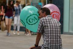 Einkaufsbummel (Norbert Reimer) Tags: streetphotography man reimer people mann norbert stuttdart menschen stuttgart badenwürttemberg deutschland de personen